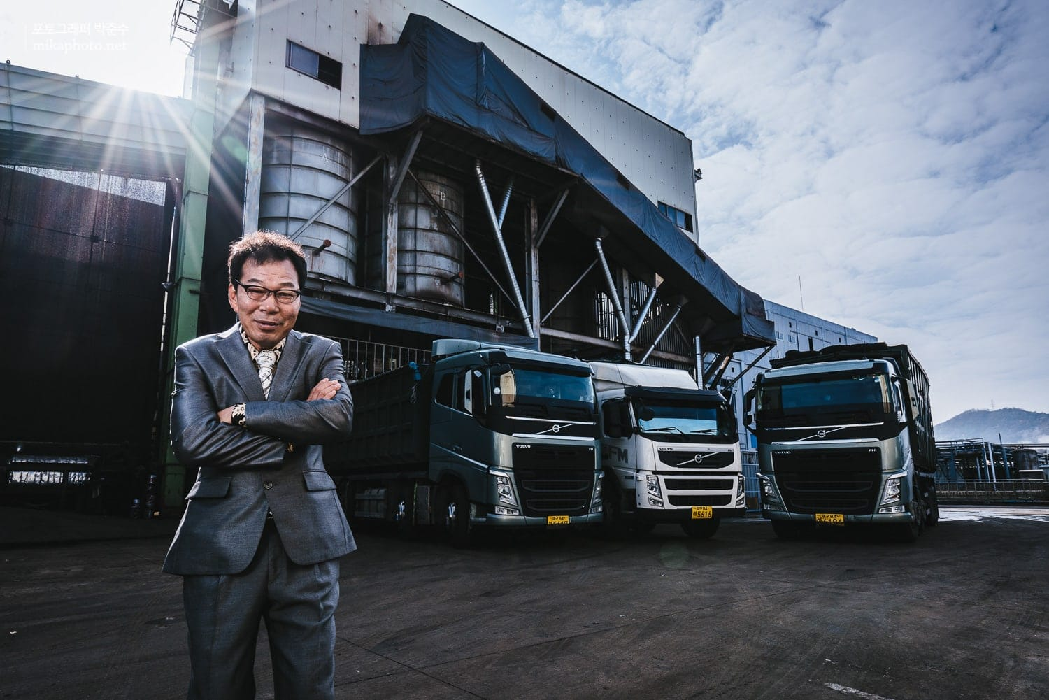 Jin-hyun Yun Type: Corporate Publishing Client: Volvo Trucks Magazine  Agency: Spoon in Sweden Date: Nov 2015